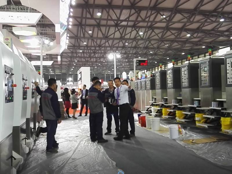 K8-Type Fixed Automatic Printing Slotting Die-cutting Machine Introduce to Customer