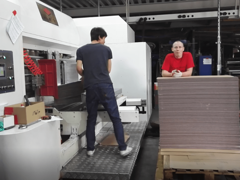 K9-Type Fixed Servo Control Automatic Printing Die-cutting Machine CASE Video